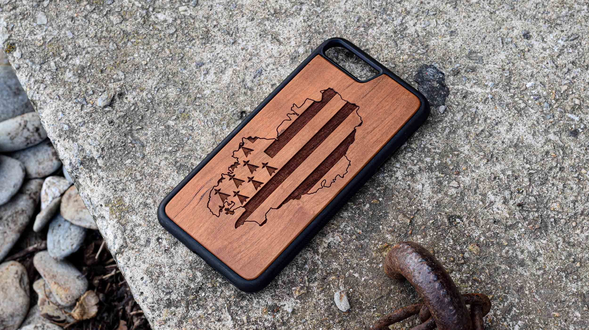 coque en bois gravure carte bretagne apdran